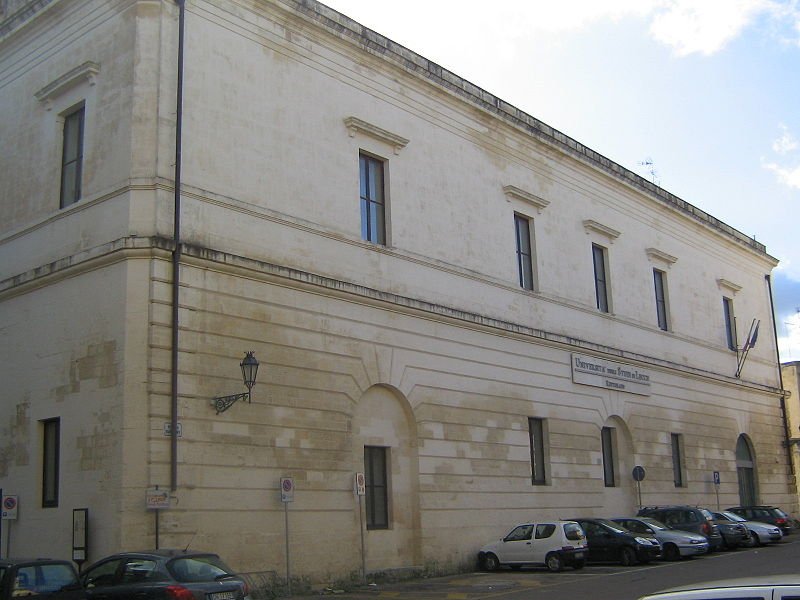 Monastero Carmelitani Lecce.jpg
