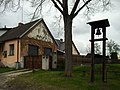 Moraveč - zvonička+dům.jpg