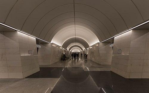 MosMetro P-Razumovskaya new hall 01-2017.jpg