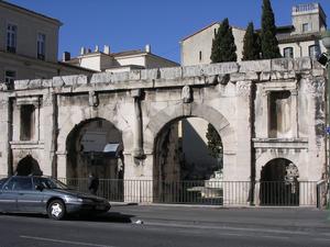 Nîmes La porte Auguste