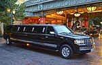 Navigator Limousine (12377209984).jpg