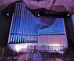 Neusäß, St. Ägidius (Hindelang-Orgel bei Nacht, weiß) (1).jpg