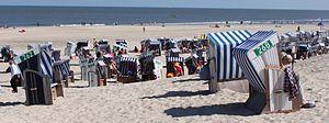 Strandkörbe im Strandbereich Weisse Düne