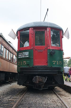 Fox River Trolley Museum - Image: North Shore 715 Unloads