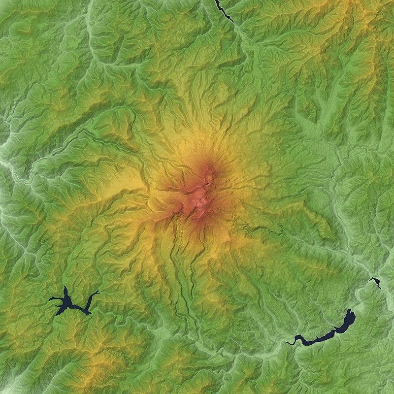 御嶽火山の地形図/wikipediaより引用