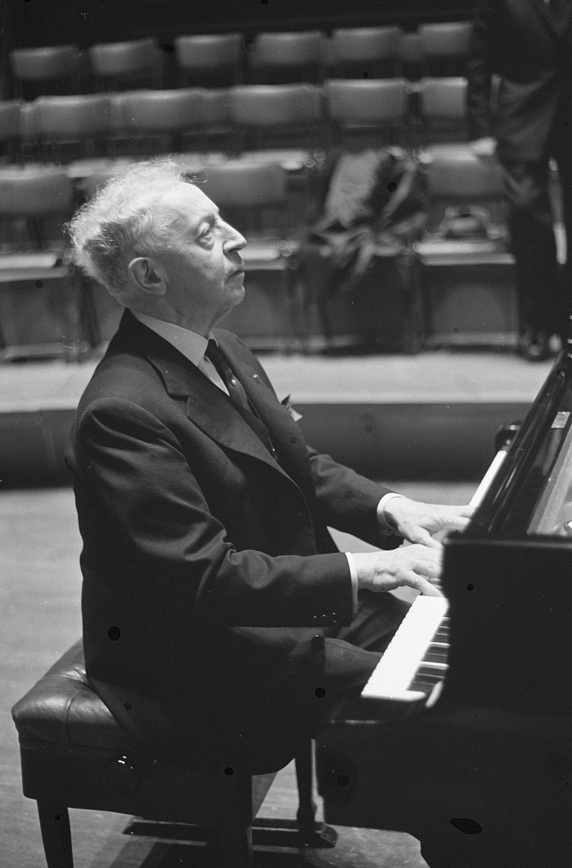 Optreden Arthur Rubinstein in Concertgebouw, Bestanddeelnr 913-5228