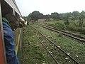 P051113 0724 achats des produits vivriers en gare par train en stationnement.jpg