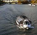 P1330918 Paris IV pont Sully bateau Seine rwk.jpg