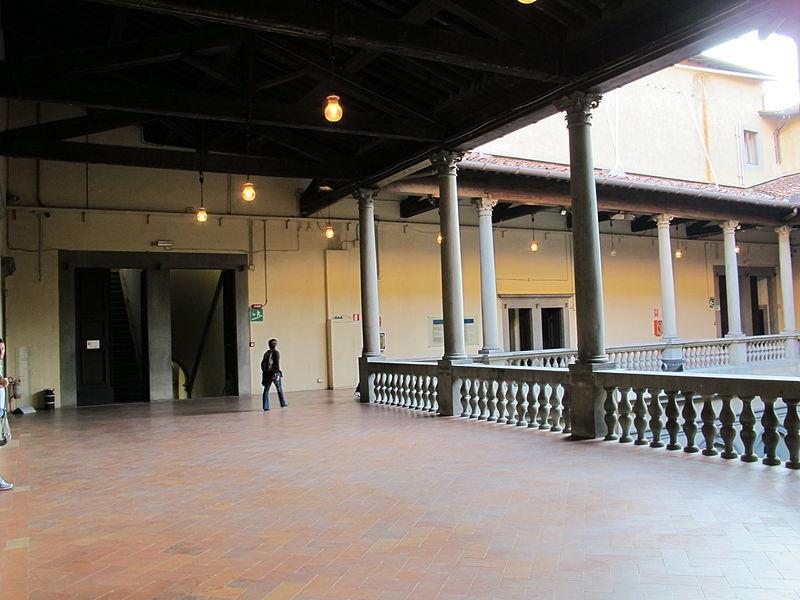 File paalzzo strozzi cortile interno 2 piano 04 jpg - Costo ascensore interno 2 piani ...