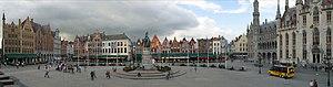 Markt (Bruges) - Image: Pano Brug IMG 6015 IMG 6019 7525x 1974 CLIN 1