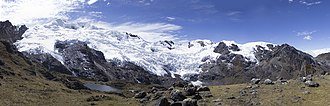 Huaytapallana mountain range - Huaytapallana range as seen from the south