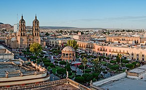Panoramica plaza de armas Durango