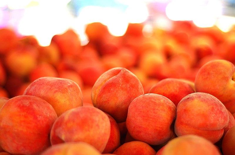 File:Peaches (5925678573).jpg