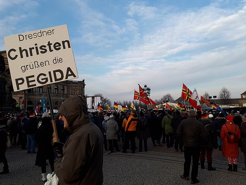 File:Pegida-Demonstration 16. Dezember 2018 (3).jpg