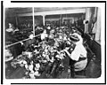 People making teddy bears in factory LCCN93517563.jpg