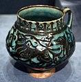 Periodo selgiuchide, boccale con animali in corsa, forse da kashan (iran) 1150-1220 ca.jpg