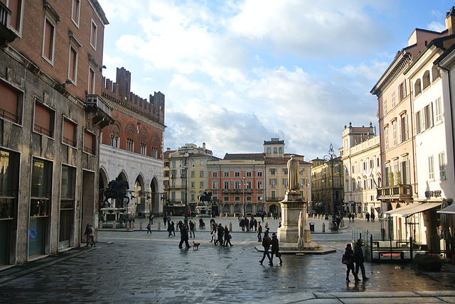Piacenza travel guide tips for piacenza italy tripwolf for Hotel piacenza milano