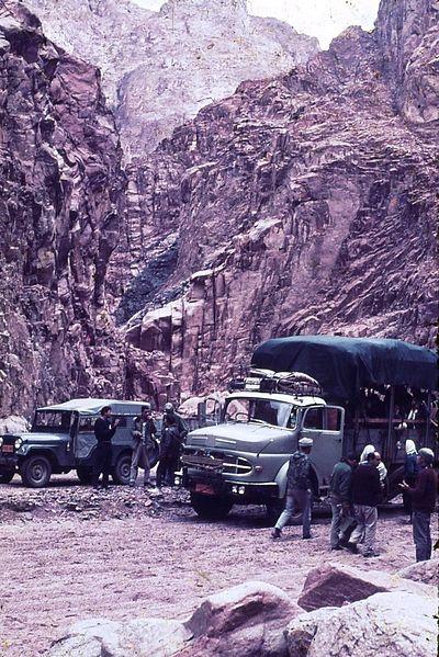 גן-שמואל-טיול קבוץ לסיני 1968