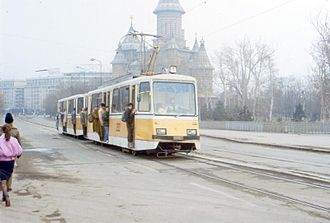 Timiș 2 - Timiș 2 motor car number 252 with a unknown trailer car over Trajan's Bridge in Timișoara, 1987
