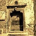 Portale della Chiesa opera di lapicidi Catalani , inizi sec. XVI.jpg