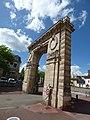 Porte Saint-Nicolas - Rue de Lorraine, Beaune (35678481375).jpg