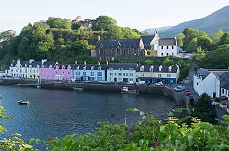 Portree - Image: Portree harbour front 2016