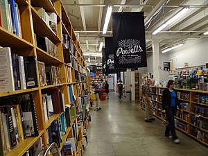 Books in the United States - Image: Powell's Books Portland Oregon USA 01