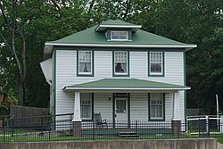 President William Jefferson Clinton Birthplace Home National Historic Site May 2018 4 (Bill Clinton Birthplace).jpg
