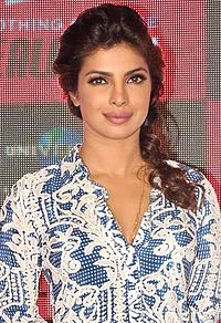 Priyanka Chopra celebrates EXOTIC's success at Jealous 21 store.jpg