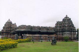 http://upload.wikimedia.org/wikipedia/commons/thumb/7/78/Profile_of_Veeranarayana_Temple_in_Belavadi.jpg/320px-Profile_of_Veeranarayana_Temple_in_Belavadi.jpg