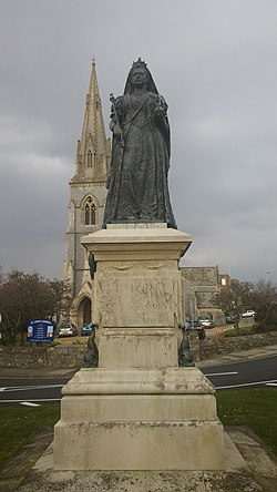 Queen Victoria's Statue and St.John's Church, Weymouth (25423236260).jpg