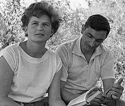 Valentina Terechkova et Valeri Bykovski préparent leurs vols respectifs en 1963.