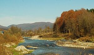 Râul Prahova lângă Sinaia (sursa: Wikipedia)