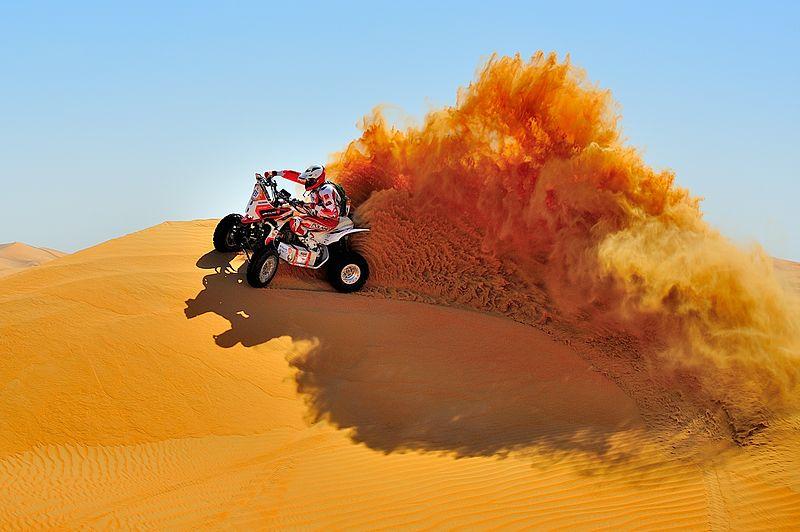 File:Rafał Sonik, Abu Dhabi.JPG