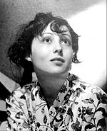 Black-and-white photo of Luise Rainer in the early 1930s.