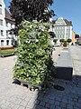 Rathausplatz Blumensäule Kempten.jpg