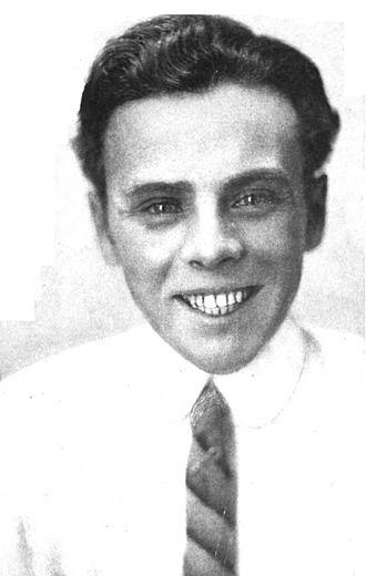 Raymond McKee - Raymond McKee  Motion Picture Magazine (November, 1915)