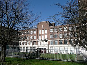 Reading College - Image: Reading College, Kings Road, Reading