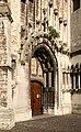 Rechter portaal van de Onze-Lieve-Vrouw Ten Poelkerk te Tienen - 372904 - onroerenderfgoed.jpg