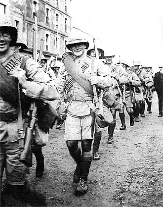 Southern Rhodesia in World War I - Image: Rhodesia Regiment in Cape Town 1914