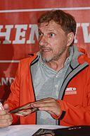 Richy Müller beim Autogramm schreiben