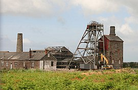 Robinson's Shaft, South Crofty Mine - geograph.org.uk - 1360274.jpg