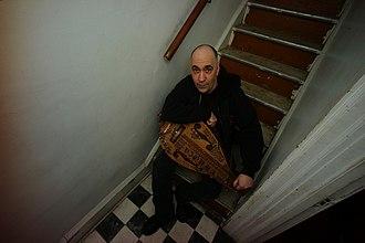 Rodney Linderman - Linderman with a hurdy gurdy