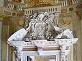 Rotonda broken pediment.jpg