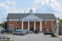 Russell County Courthouse, Jamestown.jpg