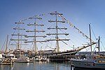Russian sailing ship Pallada in Seattle.jpg