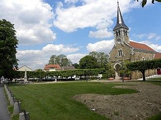 Sainte-Geneviève-des-Bois, Essonne - Image: S Gd B Eglise