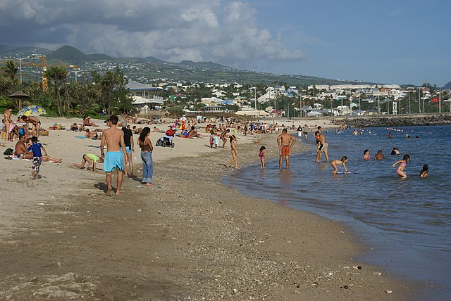 Beach of Saint-Pierre. Photo by Wikimedia Commons.