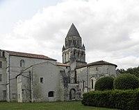 Saintes (17) Abbatiale Sainte-Marie aux Dames 03.JPG
