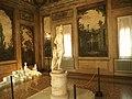 Sala Boschereccia di Palazzo d'Accursio con Apollino di Canova 1.jpg